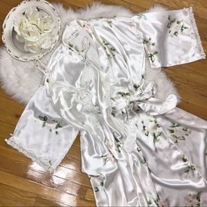 🌹Vtg Christian Dior Silky White Peignoir Set🌹